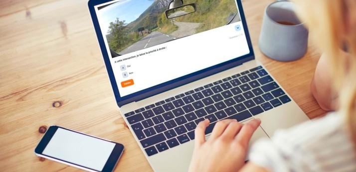 Comment fonctionne une auto-école en ligne ?